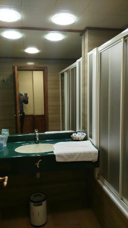 Hotel Zentral Center: IMG_20160216_222134_large.jpg