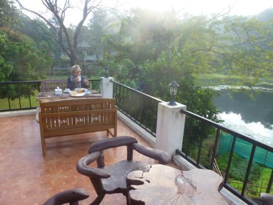 Chang Garden Resort - Family Holiday Park: Colazione sulla terrazza