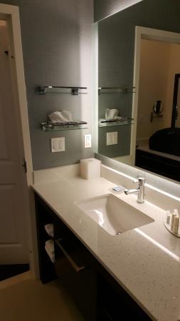 bathroom picture of residence inn shreveport bossier city downtown rh tripadvisor com