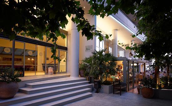 Kriti Beach Hotel: KRITI BEACH MAIN ENTRANCE.1