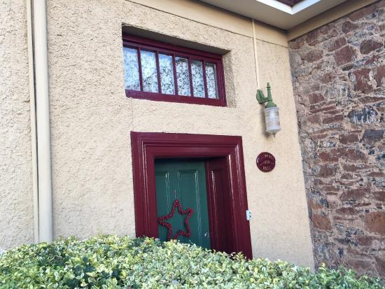 Blakes Manor Deloraine: photo1.jpg