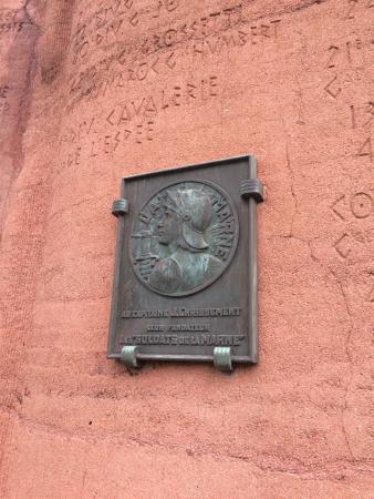 Memorial De Mondement
