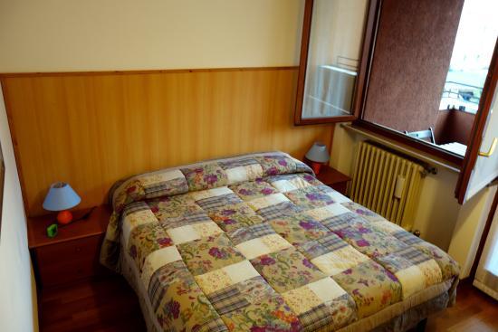 Bed & Breakfast Casa Batiuska: BeB Verona . Casa Batiuska - Camera matrimoniale con terrazzo