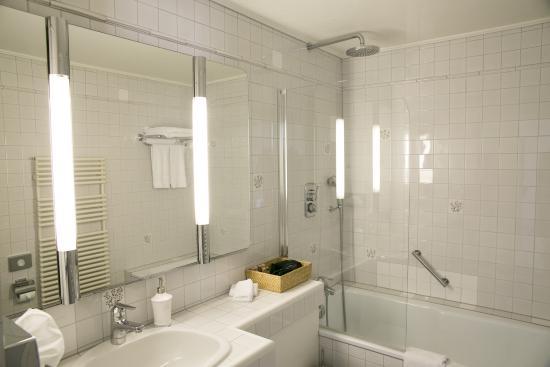 Hirschen am See : Badezimmer