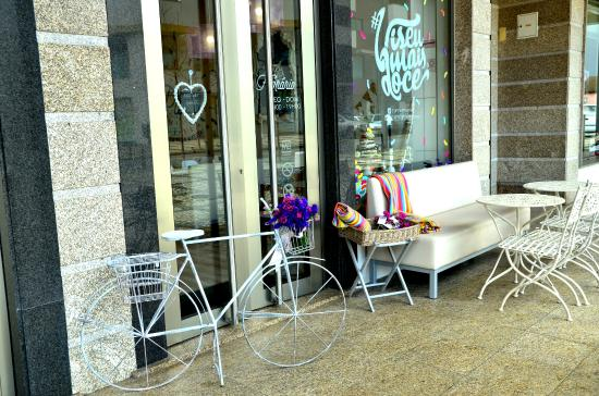 Cake Design Loja Viseu : Entrada de Loja - Picture of Velvet Cupcake & Coffee ...