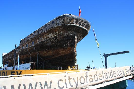 ‪City of Adelaide Clipper Ship‬