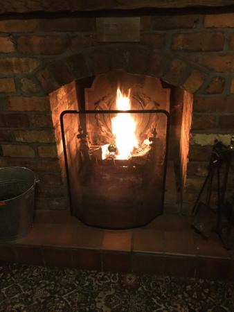 Lostock Gralam, UK: Open Log Fire
