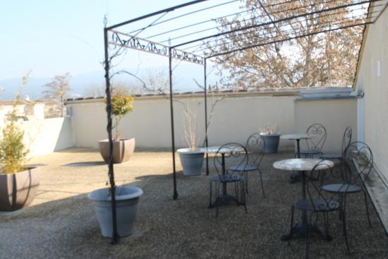 Hotel Les Nevons : Jardin