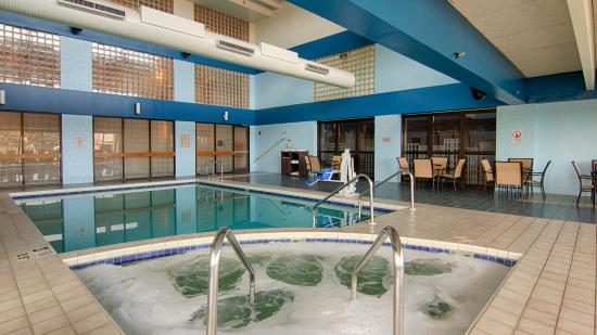 BEST WESTERN Executive Inn: Pool