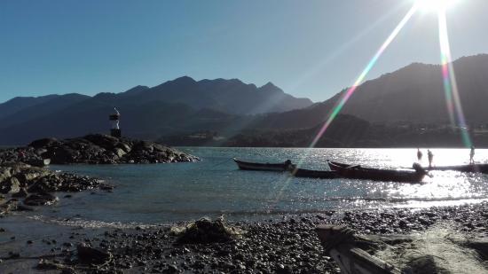 Hostal Maura : Vista de la playa cercana al Hostal.
