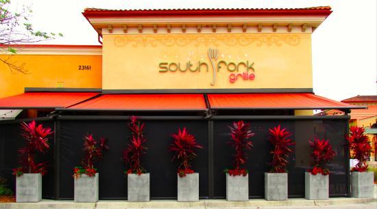 South Fork Grille: Facade