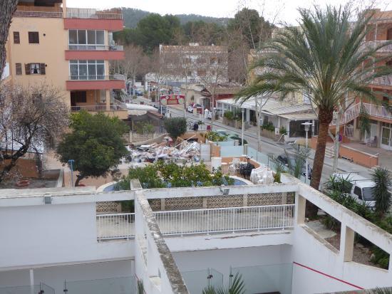Hotel Morlans Garden: Abriss des Nachbarhotels