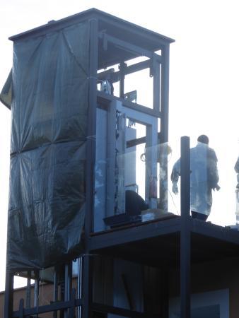 Hotel Morlans Garden: Bau eines Aufzuges