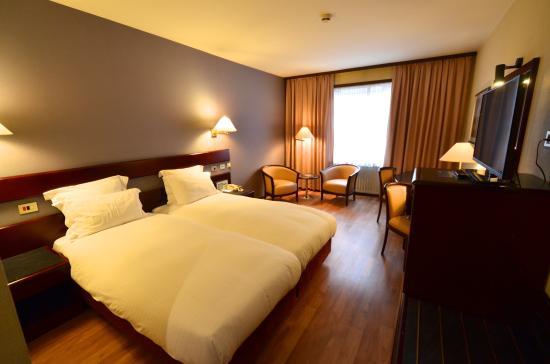 Chambre foto di bedford hotel congress centre for Chambre bruxelles