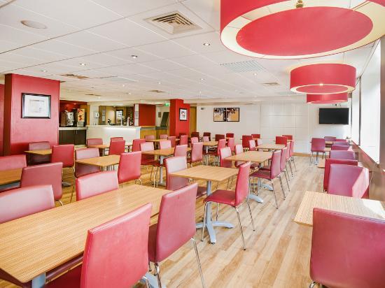 Travelodge Edinburgh Central : Edinburgh Central - Bar Cafe