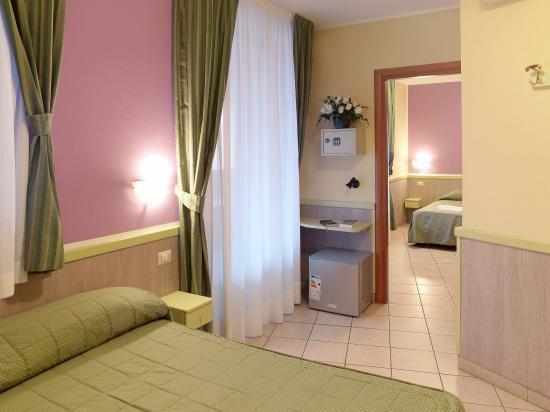 Hotel Arco Romana: QUADRUPLE