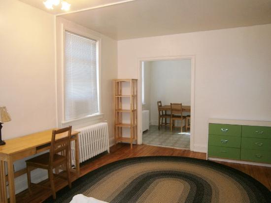 Baltimorean Apartments: Mid-Size Efficiency