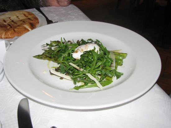Zoom Restaurant: grilled asparagus and poached egg