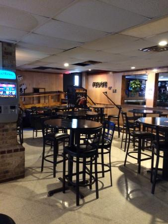 The Edge Bar and Grille