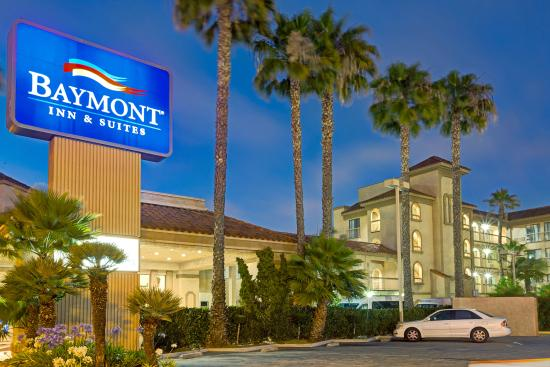 Baymont Inn & Suites - Lax/Lawndale: At Night - Baymont Inn & Suites Lawndale/LAX