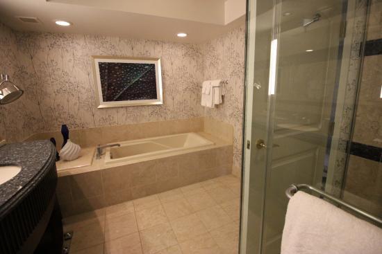 the bathroom in our room picture of bellagio las vegas las vegas rh tripadvisor com