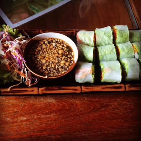 Spa Samui: Vietnamese raw rolls
