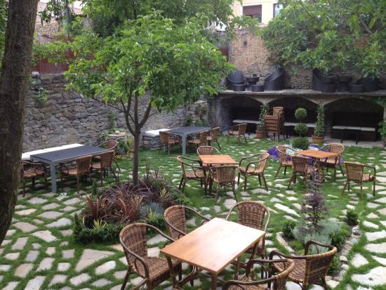 Jaca, España: Terraza-Jardín