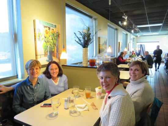 Emerywood Fine Foods: Lunch with friends!