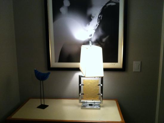 The Cosmopolitan Of Las Vegas Autograph Collection Lamp And Decor