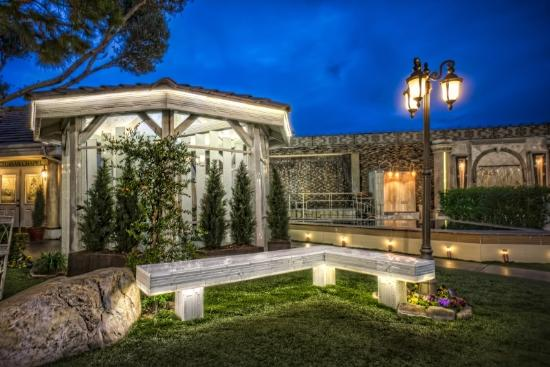 Las Vegas Weddings By Chapel Of The Flowers
