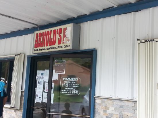 Колония, Федеративные Штаты Микронезии: Entrance to Arnold's