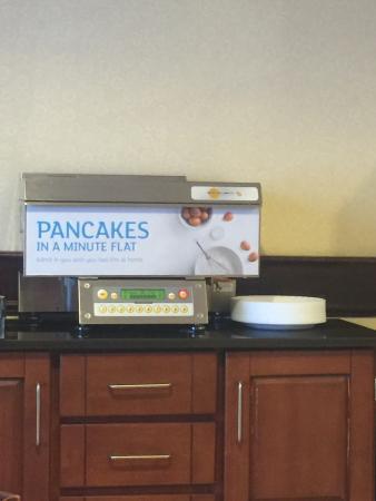 Holiday Inn Express Hotel & Suites Waukegan : Muy bueno el desayuno.. Me encanto el hotel muy confortable.. La proxima vez k vaya a waukegan,