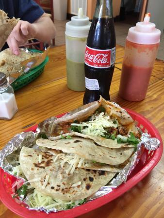Tita's Taco House