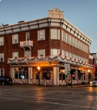Red Bud, IL: Opera House Bistro