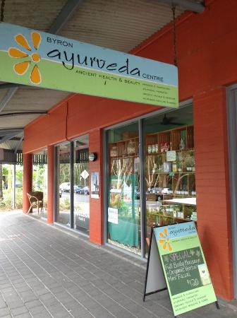‪Byron Ayurveda Center‬