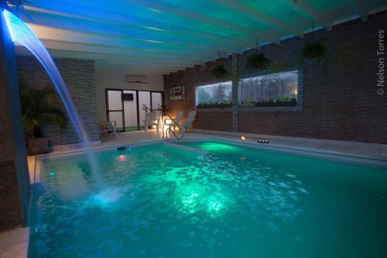 Piscina exterior fotograf a de windmuhle apart hotel for Hotel con piscina en cordoba
