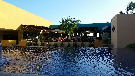 Los Patios Hotel: 20160125_162302_large