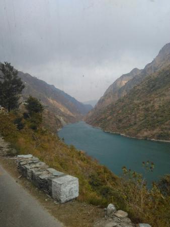 Манали, Индия: Beas River