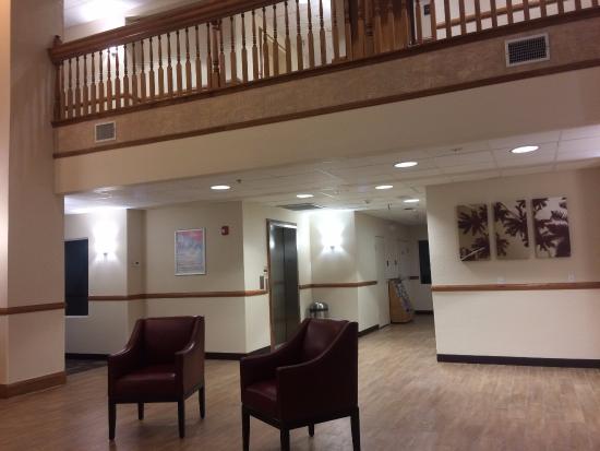 Red Roof Inn Ocala: Clean, Modern Lobby