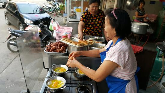Loei Food Guide: 10 Must-Eat Restaurants & Street Food Stalls in Loei