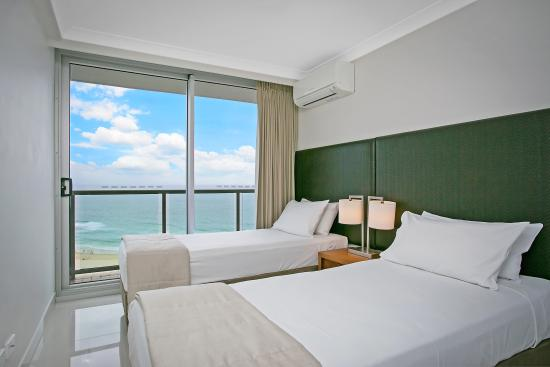 Breakfree peninsula au 265 a u 2 9 9 2018 prices reviews surfers paradise photos of for Cheap 2 bedroom apartments gold coast