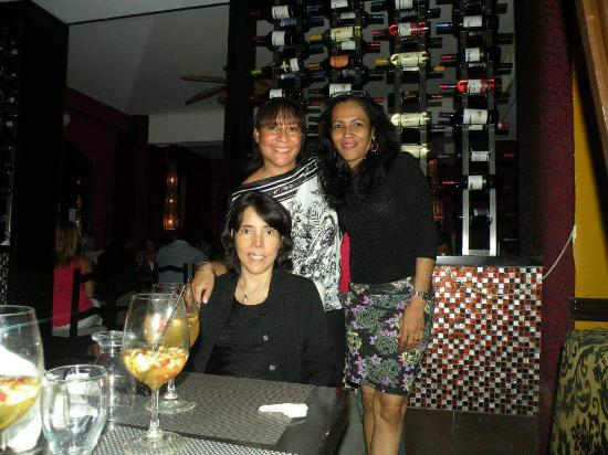 Hostal Casablanca Bed & Breakfast : Cena de Amigas