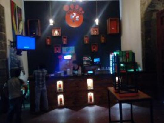 Bigfoot Hostel: remodeled bar