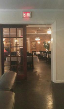 Photo of Italian Restaurant Tony Mandina's at 1915 Pratt St, Gretna, LA 70053, United States