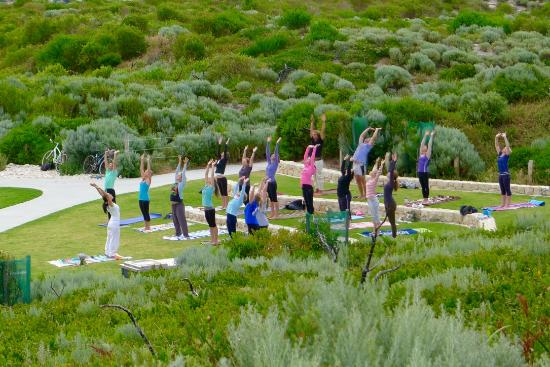 Rosa Brook, Australien: Yoga By The Beach