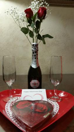 Townsend Gateway Inn: Valentines gift to us.