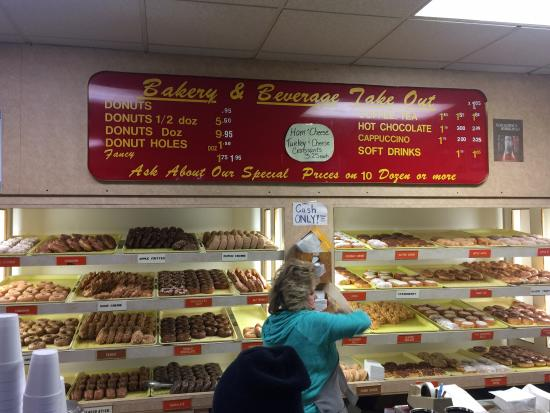 Redford, MI: What an incredible selection! Made from scratch each morning!! Worth going out of your way for!
