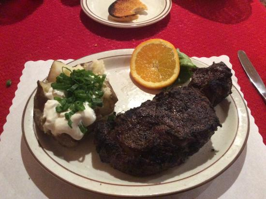 Paradise Cove Lodge: One of the best Rib Eyes ever, and I like steak