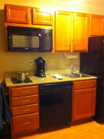 Candlewood Suites Rocky Mount: Microwave  built in cooktop dishwasher sink refrigerator