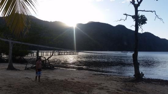 Majika's Island Resort: Sunset view